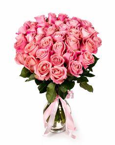 Alege un buchet compact, elegant, cu trandafiri roz dacă vrei să aduci cuiva drag zâmbetul pe buze. Pentru o surpriză realizată cu uşurinţă, comandă flori online şi alege serviciul nostru de livrare buchete la domiciliu. Cadoul tău va ajunge la destinaţie în cel mai scurt timp, iar bucuria persoanei dragi va fi mai mare decât ai crede!