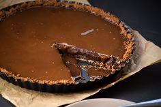 Salted Bourbon Caramel and Chocolate Nutella Tart | Gringalicious
