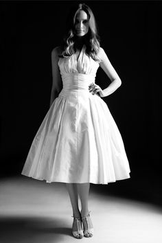Fifties style vintage inspired wedding dress in classic silhoutte and names after Marilyn Monroe classic style vintage