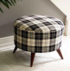 58 Ideas For Design Furniture Diy Tutorials Diy Ottoman Pallet, Crate Ottoman, Diy Storage Ottoman, Ottoman Cover, Round Ottoman, Upholstered Ottoman, Diy Furniture Projects, Furniture Design, Diy Projects