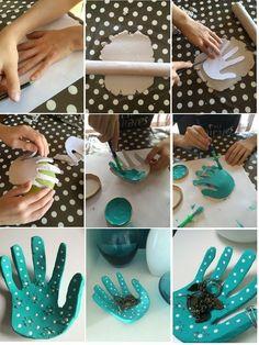 Salt Dough Handprint Bowl – A salt dough craft idea Clay Projects, Clay Crafts, Fun Crafts, Diy And Crafts, Mothers Day Crafts For Kids, Fathers Day Crafts, Diy For Kids, Salt Dough Crafts, Craft Videos