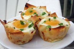 Baked Eggs in Wonton Cups via @Diabetic Foodie