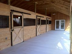 stalls - Ahh this is heaven to have a barn like this!!!