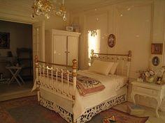 Frenchgardenhouse: La Petite Maison