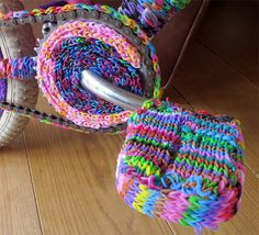 AccessArt Loom Band Sculpture - Join in and send! See more at www.accessart.org.uk/loom #loombands