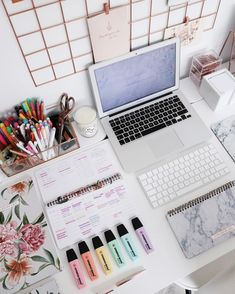 study tips for exams,study methods for visual learners,study tips study habits Work Desk Decor, Study Room Decor, Office Decor, Office Chairs, Study Areas, Study Space, Study Desk Organization, Organization Ideas, Work Cubicle