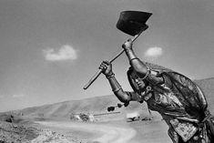 Sebastião Salgado, 'Worker on the canal construction site of Rajasthan, India.,' 1990, Sundaram Tagore Gallery