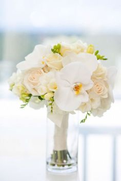 photo: Jamie Lee Photography; Orchid Wedding Bouquets in Brilliant Colors