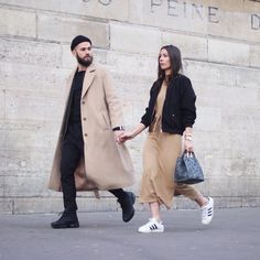 Pin by Gelson Castillo on Style in 2020 Fashion Couple, Look Fashion, Mens Fashion, Fashion Outfits, Fashion Trends, Fashion Menswear, Couple Style, Twin Outfits, Couple Outfits
