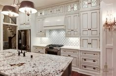 Love the look of these cabinets. Need these cabinets