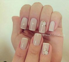 Opting for bright colours or intricate nail art isn't a must anymore. This year, nude nail designs are becoming a trend. Here are some nude nail designs. Neutral Nails, Nude Nails, Manicure And Pedicure, Hair And Nails, My Nails, Matte Nail Art, Acrylic Nails, Beautiful Nail Art, Perfect Nails