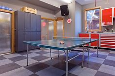 Rec room with table tenis