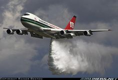 Boeing 747-132(SF) aircraft picture