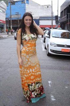 """""""Miss bumbum evangélica"""" se converte e abandona carreira de modelo"""