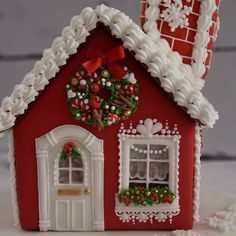 Every detail of the house is handpiped with Royal icing only!( except 3 fabric ribbons):) Christmas Sugar Cookies, Christmas Sweets, Christmas Goodies, Christmas Baking, Gingerbread Cookies, Christmas Time, Christmas Decorations, Red Christmas, Gingerbread House Designs