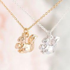 Kleine Baby-Eichhörnchen-Halskette Gold / Silber von matoto auf Etsy