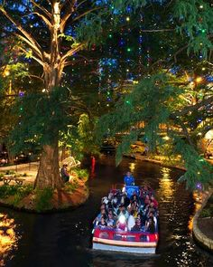 The River Walk in San Antonio where trees and 20 stone bridges are wrapped with twinkling lights—last year's display included million bulbs. Paper lanterns lining the river, as well as choirs singing from floating boats make this a go-to holiday event. San Antonio City, San Antonio Riverwalk, Downtown San Antonio, Dream Vacations, Vacation Spots, Places To Travel, Places To See, Night Skyline, River Walk