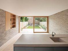 *주방 확장 리노베이션 Al-Jawad Pike combines brick, concrete and timber for restrained London home extension :: 5osA: [오사]