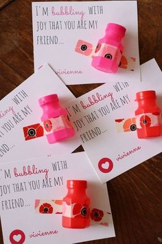 15 Meaningful Valentine's Day Classroom Activities – mybabydoo – Valantine Gift Ideas Kinder Valentines, Valentine Gifts For Kids, Valentines Day Party, Valentine Day Crafts, Valentine Ideas, Printable Valentine, Valentinstag Party, School Gifts, Daycare Gifts