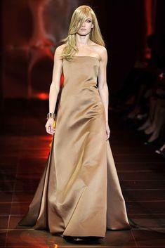 Armani Privé Fall 2010 Couture Collection - Vogue