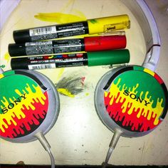 Would you try this on your Sony Headphones?  Photo via @jose_to_pino on Instagram!