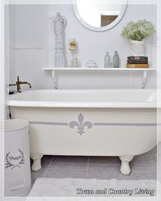 How to paint a claw foot tub with Annie Sloan Chalk Paint.