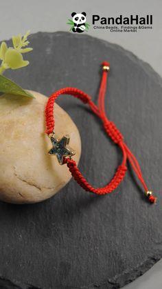 PandaHall vidéo: bracelet de cordon avec d'étoile - Das schönste Bild für jewelry inspo , das zu Ihrem Vergnügen passt Sie suchen etwas und haben n - Diy Crafts Hacks, Rope Crafts, Diy Crafts Jewelry, Diy Crafts For Gifts, Bracelet Crafts, Diy Bracelets Video, Diy Friendship Bracelets Patterns, Bracelet Patterns, Handmade Bracelets