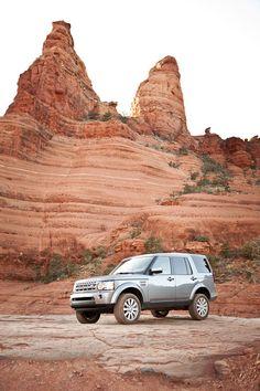 Photographer Chris  McPherson takes the Land  Rover #LR4 to a beautiful spot  in Sedona, Arizona