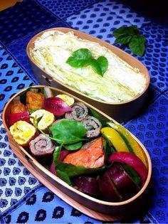 posted from @okukatu1130 おはようございます(^^)また暑くなりそうな今日のお弁当です! 豚の大葉巻き、コーン卵焼き、さけの味噌漬け、パプリカと万願寺のハーブオリーブ等〜♫ #お弁当 #obentoart #わっぱ弁当