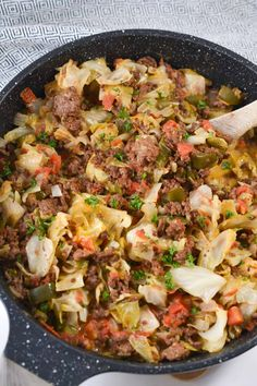 Cheesy Ground Beef and Cabbage Skillet Cabbage Skillet Recipe, Cabbage Casserole, Healthy Eating Recipes, Paleo Recipes, Paleo Food, Cabbage Recipes, Chicken Recipes, Ground Beef And Cabbage, Ground Beef Casserole