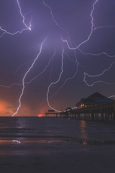"worldfam0us: "" Lightning 