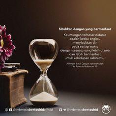 Memanfaatkan Waktu Luang untuk Hal-Hal yang Bermanfaat – Hijrah Link Reminder Quotes, Self Reminder, Words Quotes, Life Quotes, Islamic Qoutes, Muslim Quotes, Islamic Inspirational Quotes, Short Quotes, Best Quotes