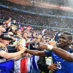 Could @PaulPogba make the difference for France tonight? 💦⚽️🇫🇷 #Eurosport #Football #Soccer #Futbol #Euro #Euros #UEFAEuro #UEFA #France #Iceland #Europe #French #LesBleus #EuropeanChampionship #EuropeanChampionships #Paris #Fans #SaintDenis #Flag #Tricolor #Griezmann #Pogba #Giroud #Payet #Germany