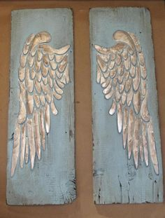 Wood Angel Wings, Angel Wings Wall Decor, Wooden Angel, Wing Wall, Distressed Wood Signs, Ideas Geniales, Recycled Wood, How To Distress Wood, Wall Art Designs