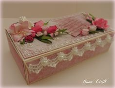 Wild Orchid Crafts: Gift box with template