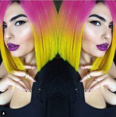 No podemos dejar de mencionar la moda de ponerse pelucas color arcoíris… | Estas fueron las tendencias de cabello que nos enamoraron en el 2015