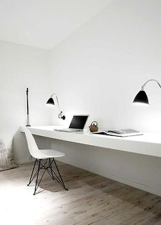 Super minimal space - no distractions. Home office inspiration from Norm Architects. Home Office Minimalist Interior, Minimalist Bedroom, Minimalist Decor, Minimalist Office, Minimalist Kitchen, Minimalist Living, Modern Minimalist, Minimalist Apartment, Minimalist Design