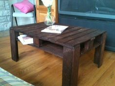 Reclaimed pallet coffee table added to the Simplicity Market place Pallet Ideas, Pallet Projects, Diy Projects, Diy Ideas, Party Ideas, Sweet Sweet, Pallet Furniture, Sheds, Pallets