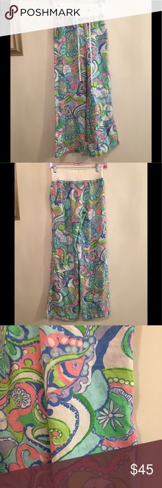 """Lilly Pulitze Linen Beach Pants Conch Republic EUC Gorgeous Lilly Pulitzer linen beach pants in the Conch Republic print. Size XS. Beautiful colors and pattern. Inseam is approximately 33"""". These are so perfect for the Beach, a cruise, vacation, holiday, shopping, brunch, evening out, so fun and comfy. Lilly Pulitzer Pants Wide Leg"""
