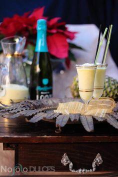 Receta de sorbete granizado con piña natural y cava para Nochevieja. Cambia el tradicional sorbete de limón por este de piña con un toque de cava.