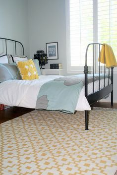 April Kennedy...Life and Style Blog: Kaia's Got A Brand New Room.