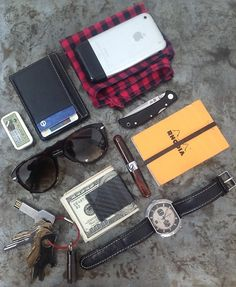 Slim leather card holder and CF Clip for cash. iPhone Persol...