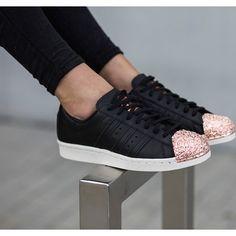 I520x520-buty-damskie-sneakersy-adidas-originals-superstar-80s-metal-toe-tf-copper-toe-s76535-adidas-originals-czarny-36-2-3-sneakerstudio-pl.jpg (520×520)