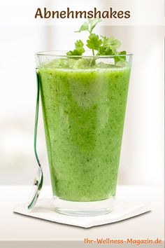 Green Smoothie for losing weight - make a slimming shake yourself - Abnehmshakes selber machen - Best Smoothie Recipes Low Carb Drinks, Healthy Drinks, Detox Drinks, Best Smoothie, Smoothie Detox, Healthy Eating Tips, Easy Healthy Recipes, Healthy Nutrition, Detox Recipes