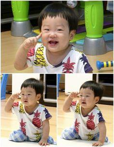 The son of Lee Hwi Jae. Ulzzang, Superman Kids, Korean Tv Shows, Song Triplets, Lee Bo Young, Bridal Mask, Yoo Ah In, Asian Babies, Good Doctor