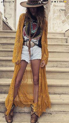 Belt - tank - kimono - spring style fashion trendy Boho Outfits, Neue Outfits, Fashion Outfits, Country Chic Outfits, Hippie Chic Outfits, Fashion Clothes, Boho Chic Outfits Summer, Country Style, Hat Outfits