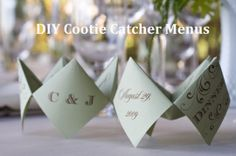 DIY cootie catcher wedding menus. Includes template and instructions