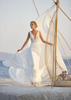 Sophisticated Wedding Dresses, Elegant Dresses, Boho Designs, Bridal Gowns, Wedding Gowns, Paris, Herve, Chiffon Skirt, Boutique