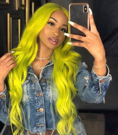 Colorful hairstyles for Afro Black Women Lemon yellow hair color. Baddie Hairstyles, My Hairstyle, Weave Hairstyles, Cool Hairstyles, Black Hairstyles, Hairstyles 2016, Hairdos, Hairstyle Ideas, Yellow Hair