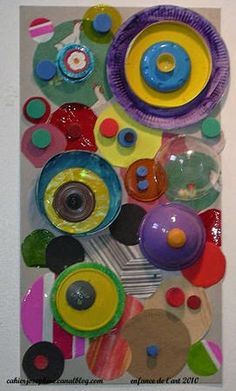 and Circles and Concentric Circles. Individual and collaborative fun. Would be great for working on all kinds of shapes. Great idea for Kandinsky project. Kandinsky Art, Kindergarten Art, Preschool Art, Classe D'art, Group Art Projects, Recycled Art Projects, Ecole Art, Collaborative Art, Art Rooms